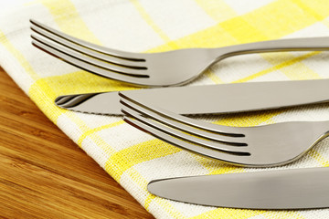 Knifes and forks