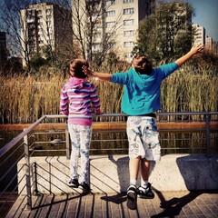 Freedom children town bridge