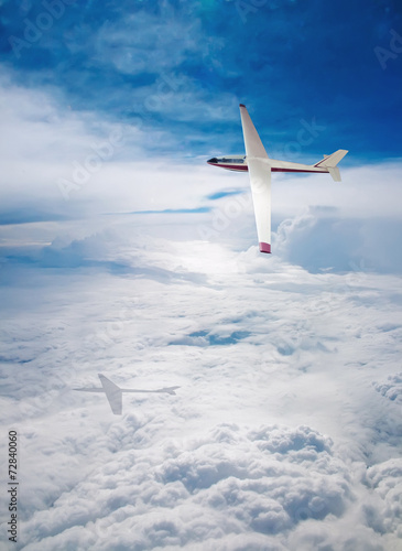 Flight deltaplane clouds