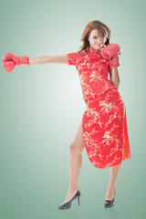 fighting Chinese woman