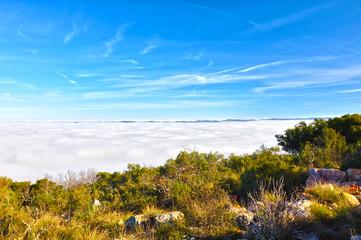 Mar de nubes en Sierra Madrona, naturaleza, paisaje