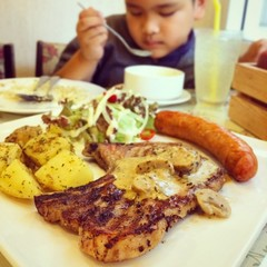 grilled steak with sausage