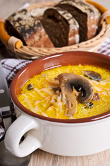 Soup with pasta and mushrooms