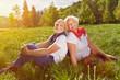 canvas print picture - Paar Senioren im Urlaub in der Natur