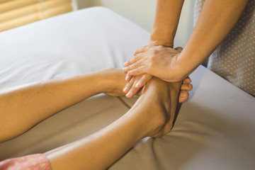 Massage series : foot massage