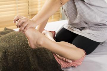 Massage series : leg massage