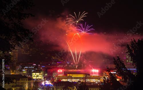 Stuttgart City leuchtet 2014 Feuerwerk - 72859670