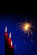 canvas print picture - Flamme einer Kerze mit Wunderkerze