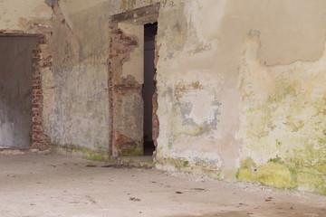 Verlassener alter Raum