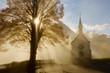 canvas print picture - Kapelle im herbstlichen Morgenlicht