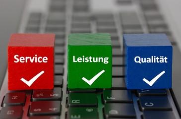 Service, Leistung, Qualität - Würfel