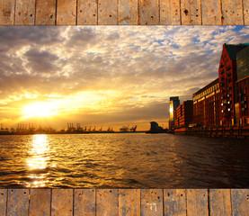 Elbe am Fischmarkt - Holzhintergrund