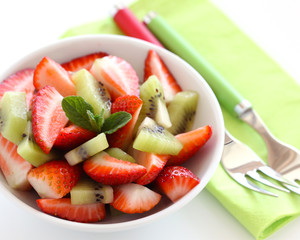 Strawberry-kiwi salad