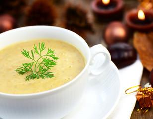 Weihnachtliche Maronensuppe
