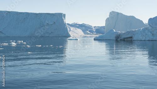 Fotobehang Gletsjers Arctic landscape in Greenland