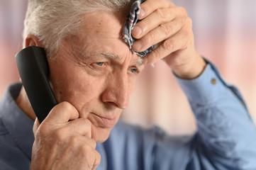man calling doctor