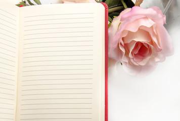 Cuaderno con rosas