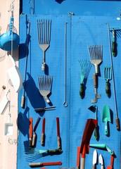 étalage d'outils, façade de quincaillerie