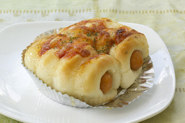 sausage cheese bread roll