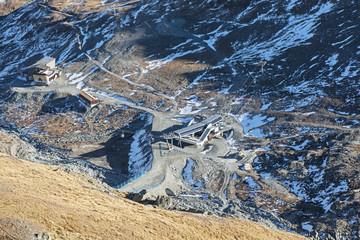 "Blick auf die Bergbahnstation  ""Furgg"", ob Zermatt"