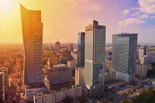 obraz lub plakat Warszawa Śródmieście - aerial photo nowoczesnych drapaczy chmur na zachód słońca