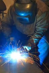 Schutzgasschweißer bei der Arbeit