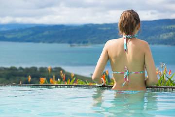 admirer la vue sur le lac - Costa Rica