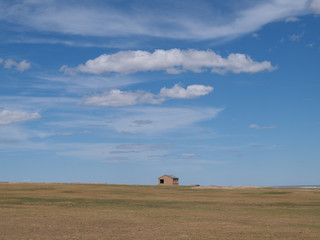呼伦贝尔大草原上的房子