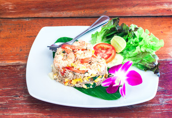 Fried rice with salted egg and shrimp