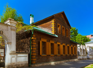 Old wooden house in golutvinsky street - Moscow