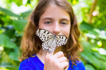 Girl holding Rice Paper butterfly Idea leuconoe