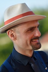 Sposo col cappello