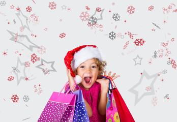 Bambina contenta a fare shopping