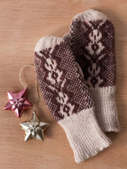 Mittens and Christmas decorations