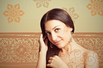 Портрет красивой восточной женщины