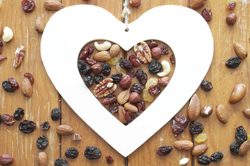 Heart, nuts and raisins
