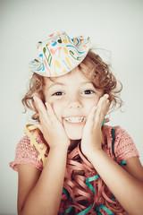 bambina felice sorridente