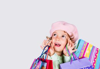 bambina sorpresa a fare shopping
