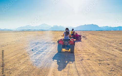 Deurstickers Egypte The wide road