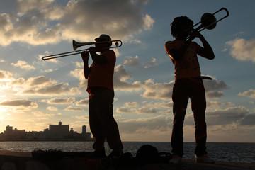 Joueurs de trombone sur le Malecon