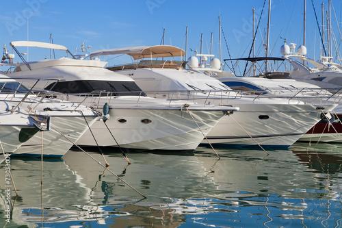 Leinwanddruck Bild Yachts at Cambrils marina