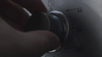 Using the Oven, oven temperature control closeup