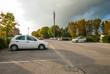 Posteggio auto, parcheggio pubblico, automobili parcheggiate - 73056888