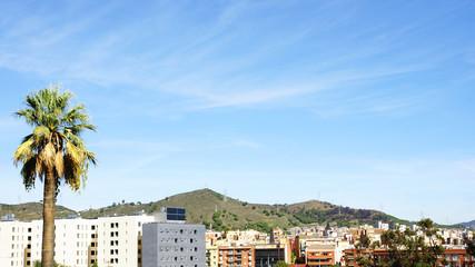 Bloque de pisos con panel solar, Barcelona