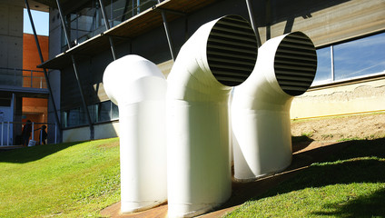 Tubos de aireación en La Vall d'Hebrón, Barcelona
