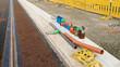 Gleisbau und Strassenbau - Diverse Rohrstücke am Strassenrand