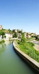 Canal de agua de riego en Gironella, Barcelona