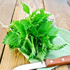 Nettles with knife on napkin