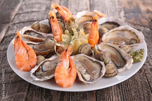 seafood platter - 73089217