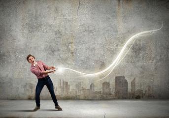 Man pull light loop